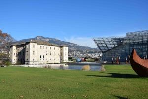 Particolare del MuSe (a destra), il Museo della Scienza di Trento